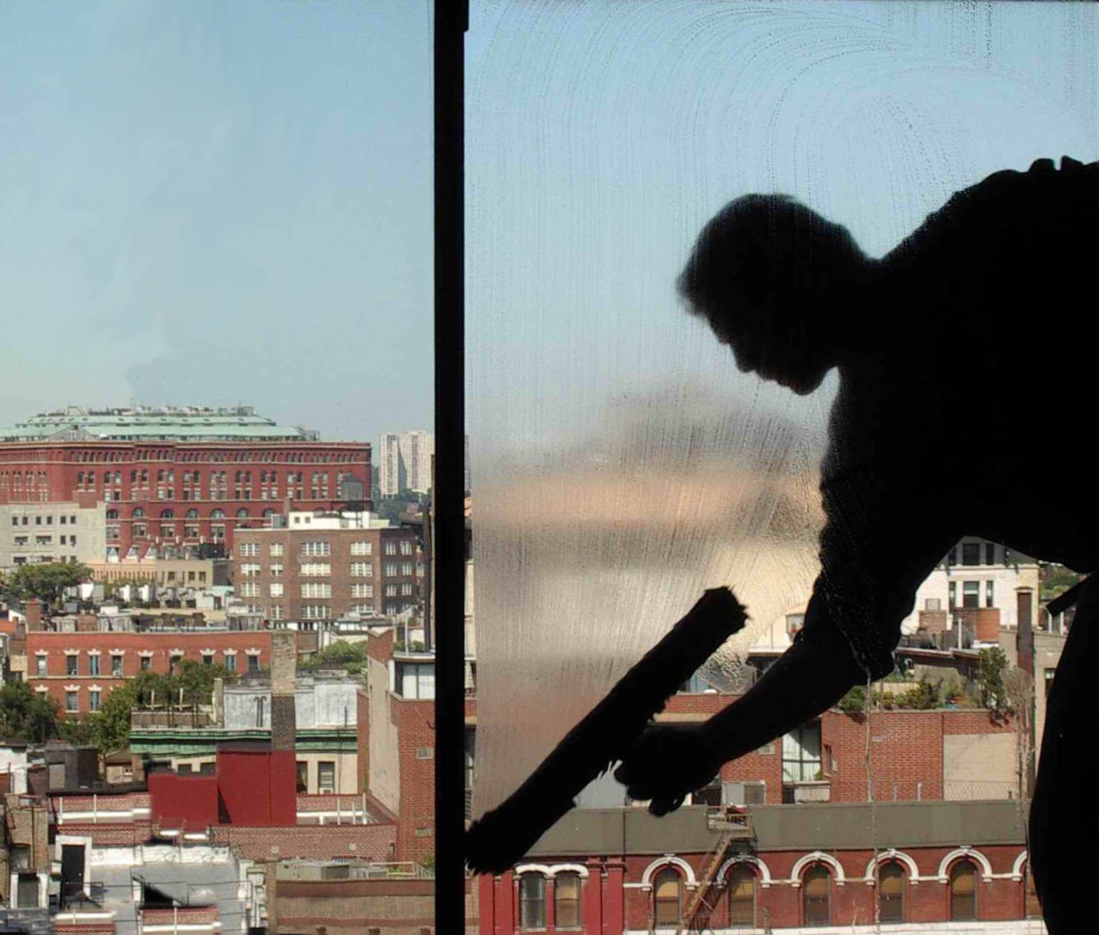 Foto 6 de Empresas de limpieza en Calahorra | Limpiezas Pirineos. Tel 617 32 76 52