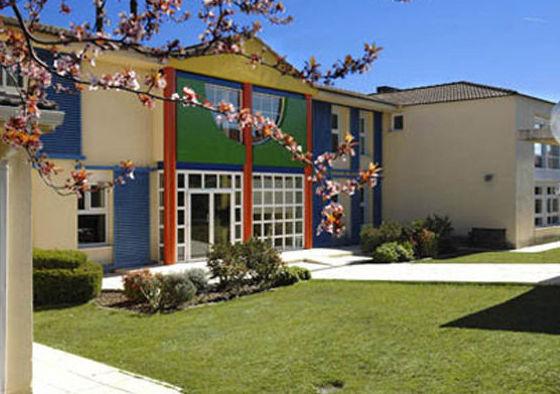 Patio exterior escuela infantil