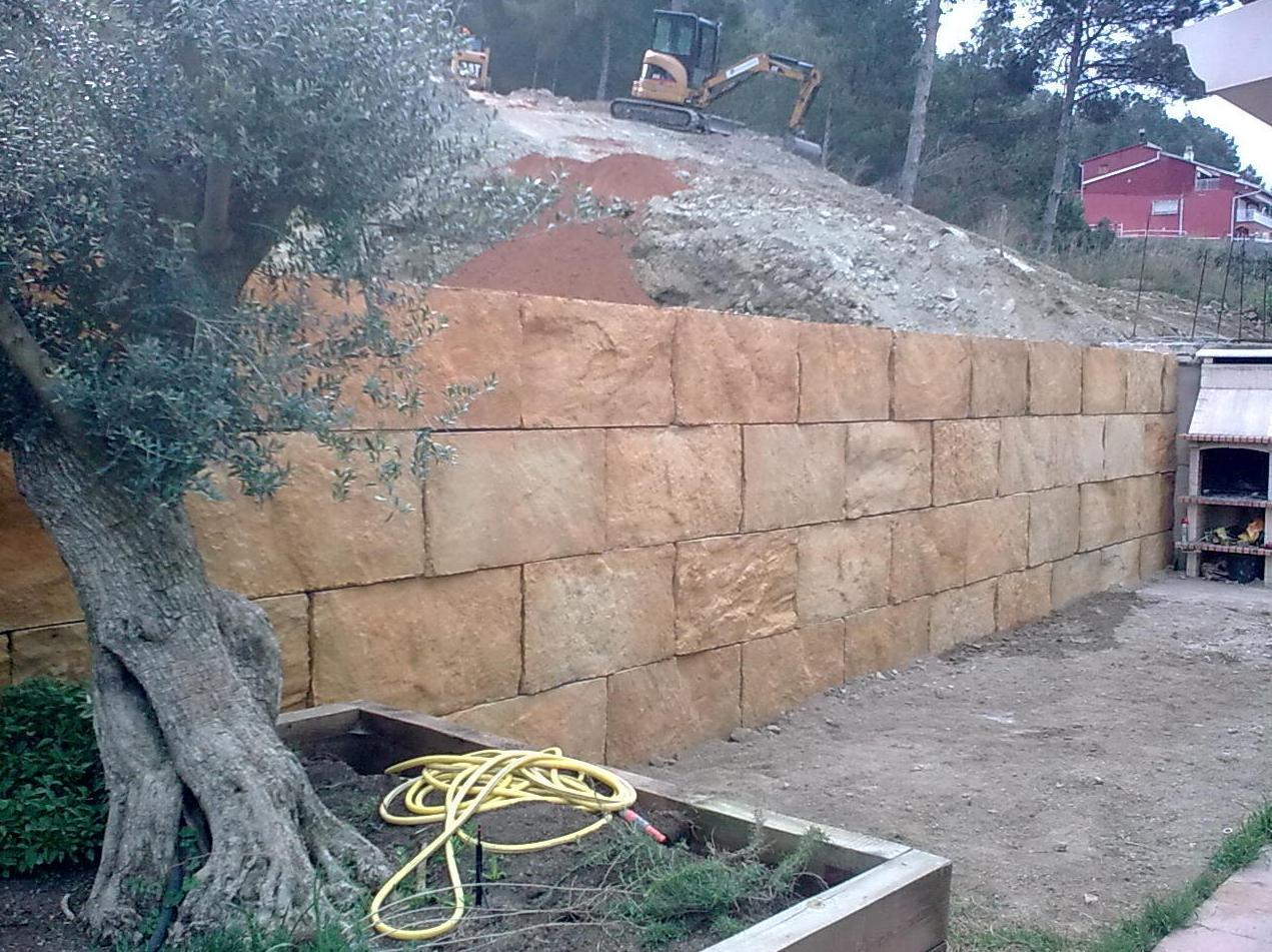 Construcción de muro por Ecepa, S.L.