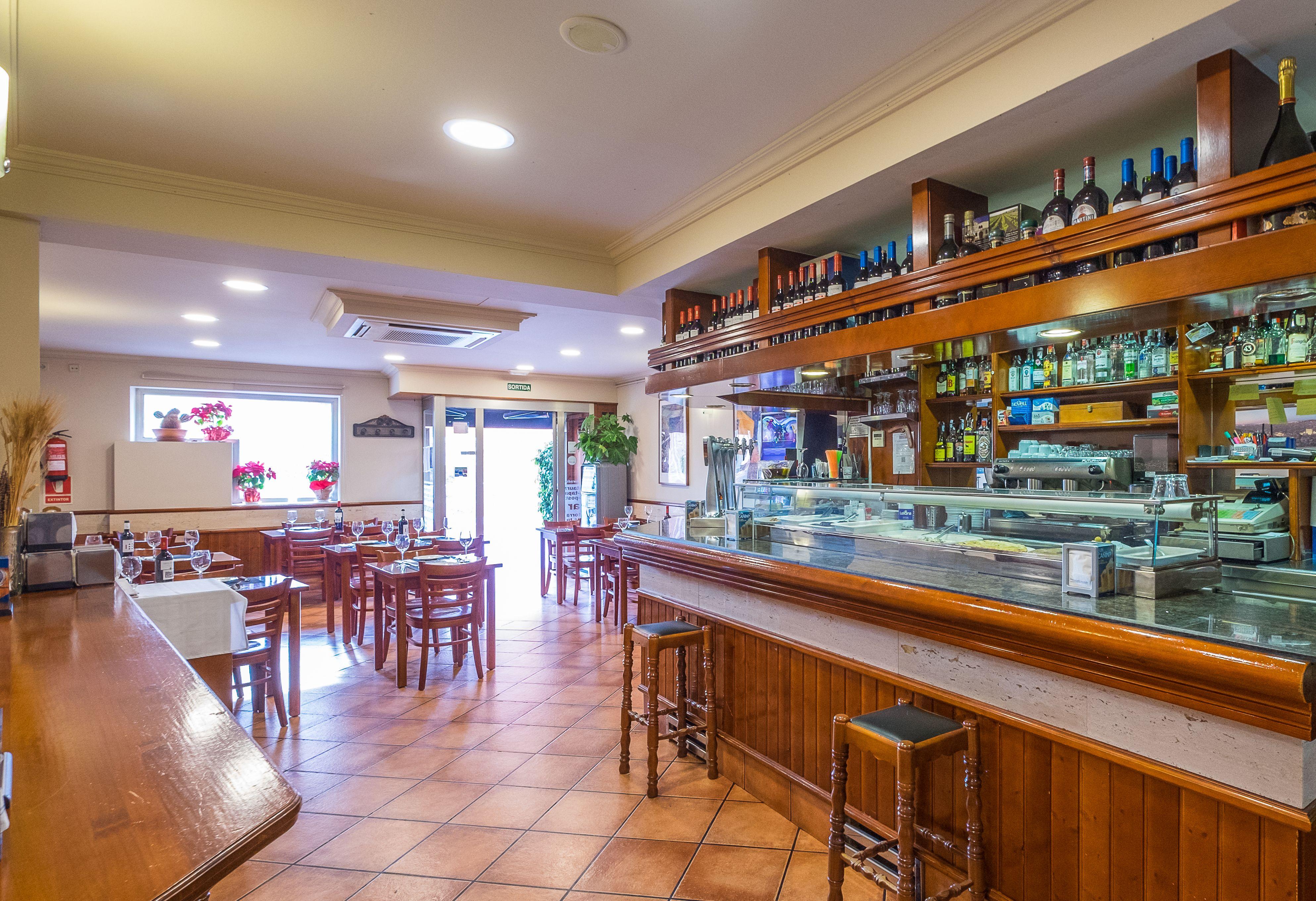 Foto 1 de Cocina andaluza en Barcelona | Bar Restaurante El Mirador de Carmelo II