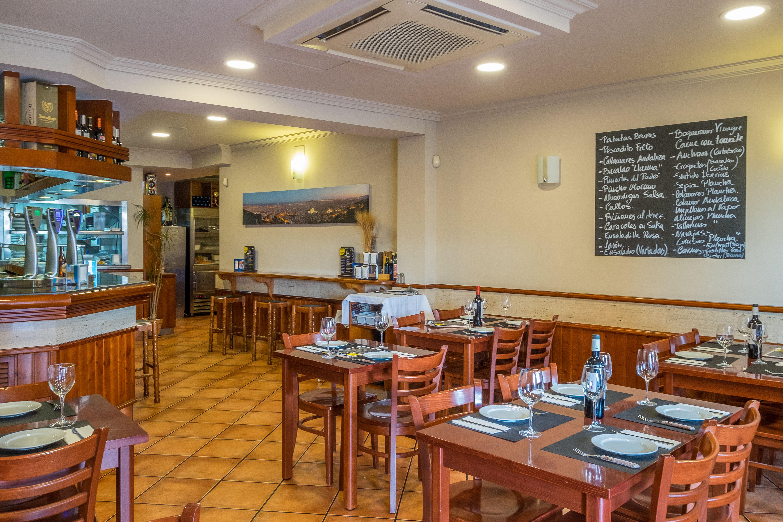 Foto 3 de Cocina andaluza en Barcelona | Bar Restaurante El Mirador de Carmelo II