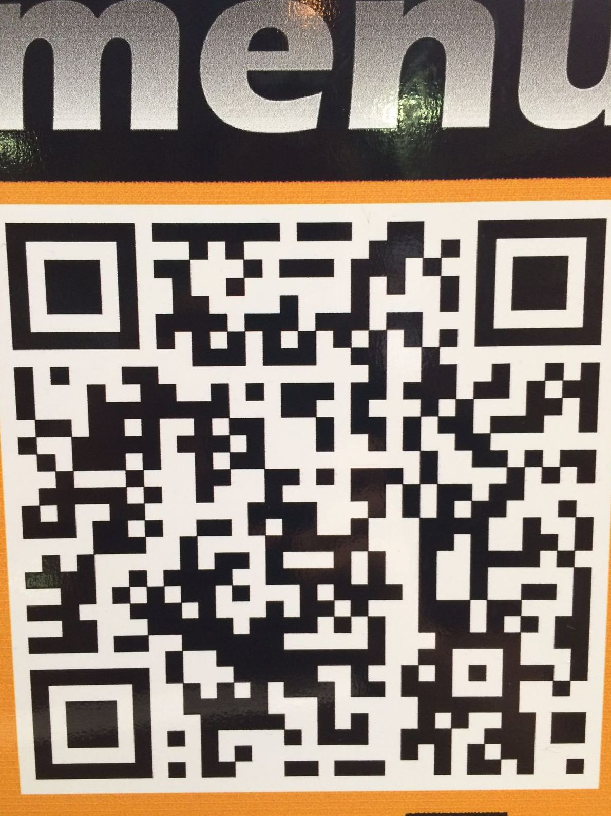 Descarga nuestro menú en 7 idiomas con el código QR de tu móvil