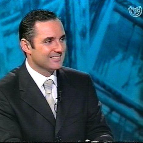 DR. VILA MORIENTE. CIRUJANO PLASTICO. SANTIAGO. A CORUÑA. TELEVISION DE GALICIA.