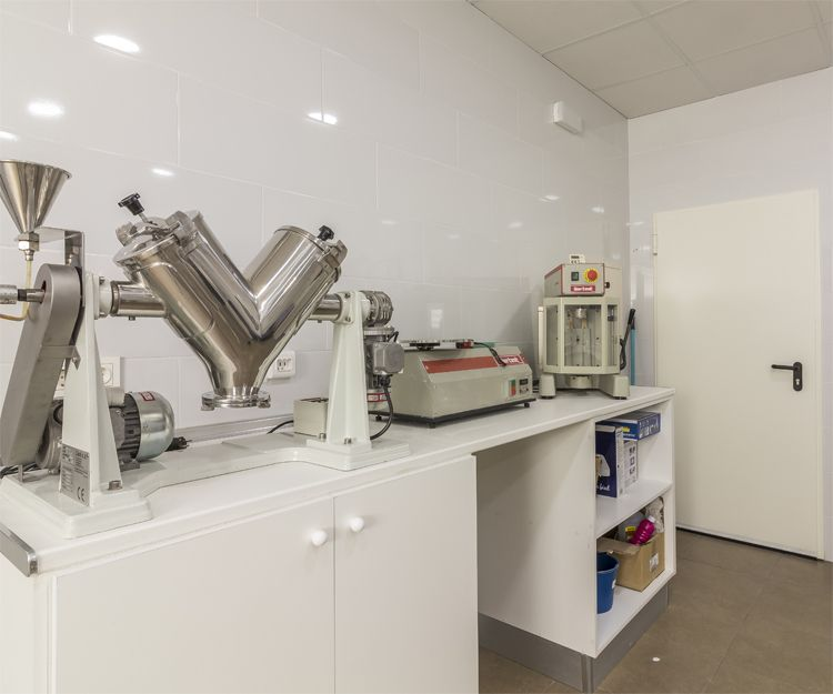 Instalaciones de nuestra fábrica de masilla en Murcia
