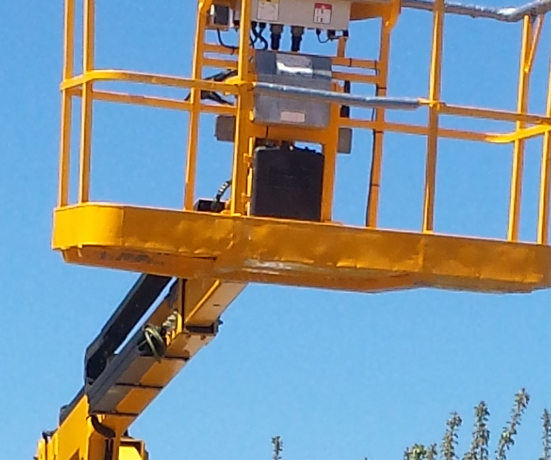 Foto 21 de Instalación y mantenimiento de canalones en Jaraíz de la Vera | Melpa Canalones