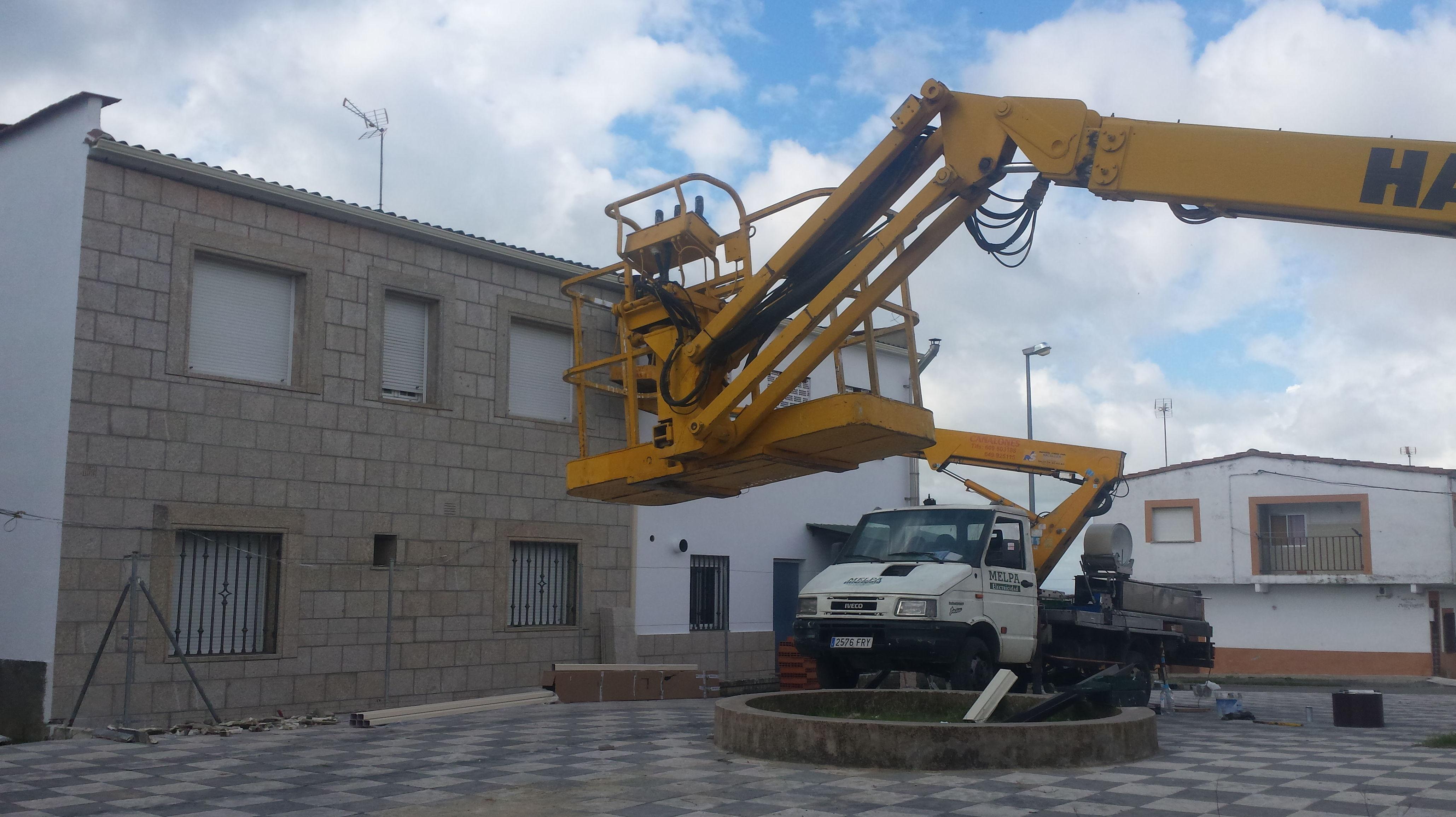 Foto 48 de Instalación y mantenimiento de canalones en Jaraíz de la Vera | Melpa Canalones
