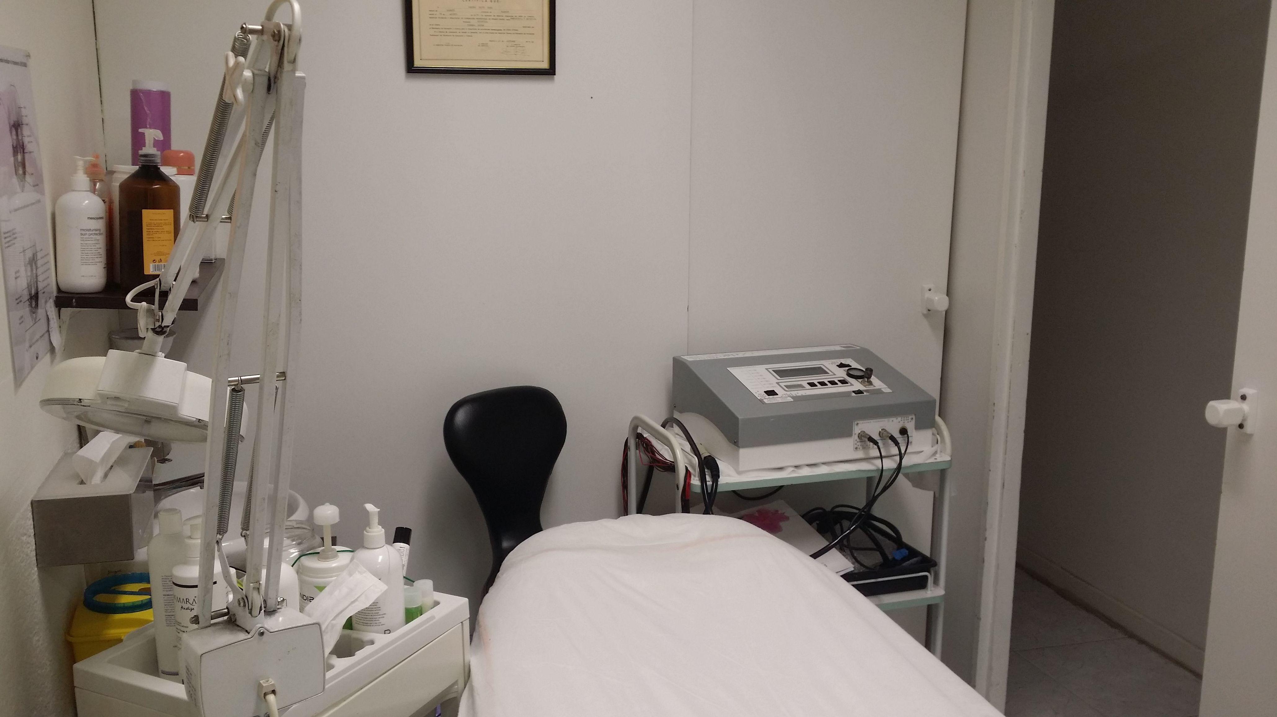 Centro con aparotología estética, tratamiento de células madre...
