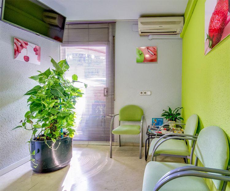 Sala de espera del Centro Dental Sant Fost