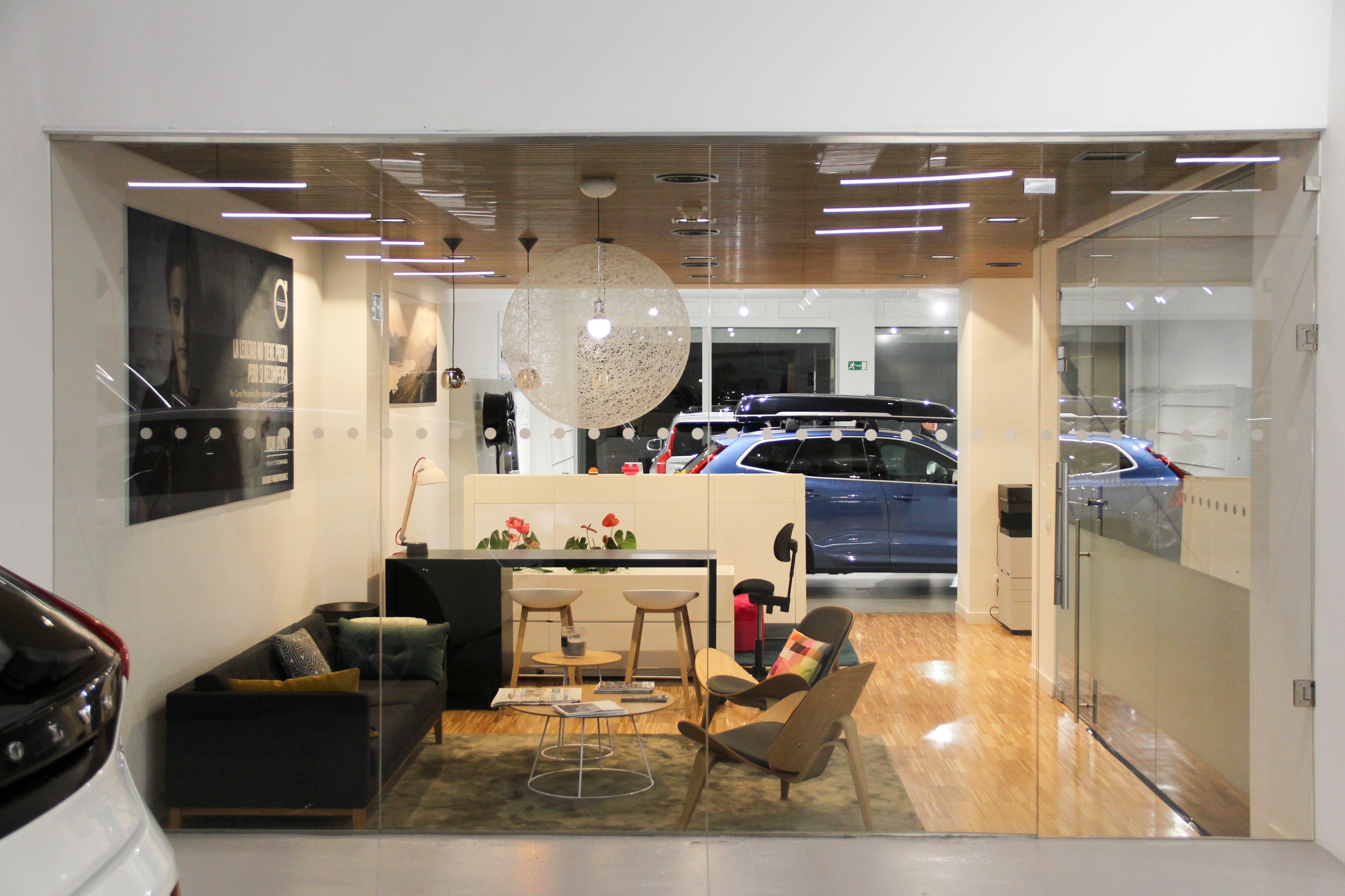 Sala de espera concesionario Osan Iluminación