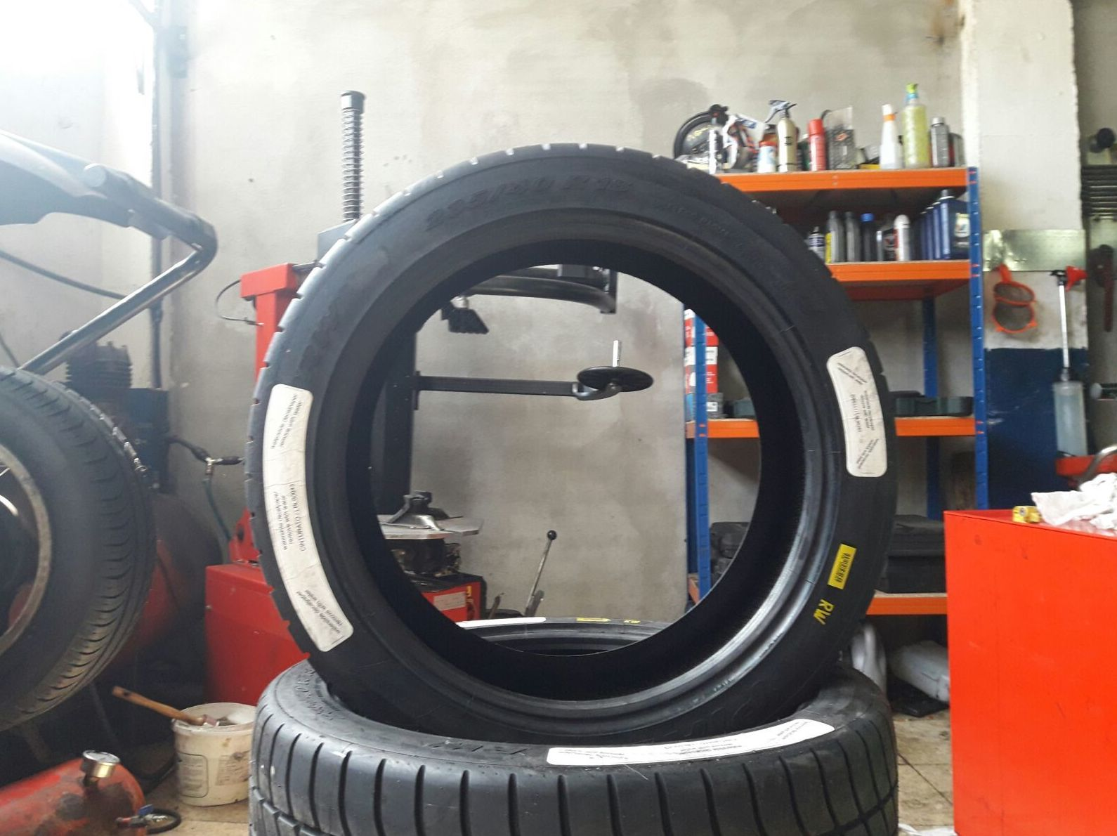 Neumáticos: Servicios de NEUMÁTICOS MIKEL