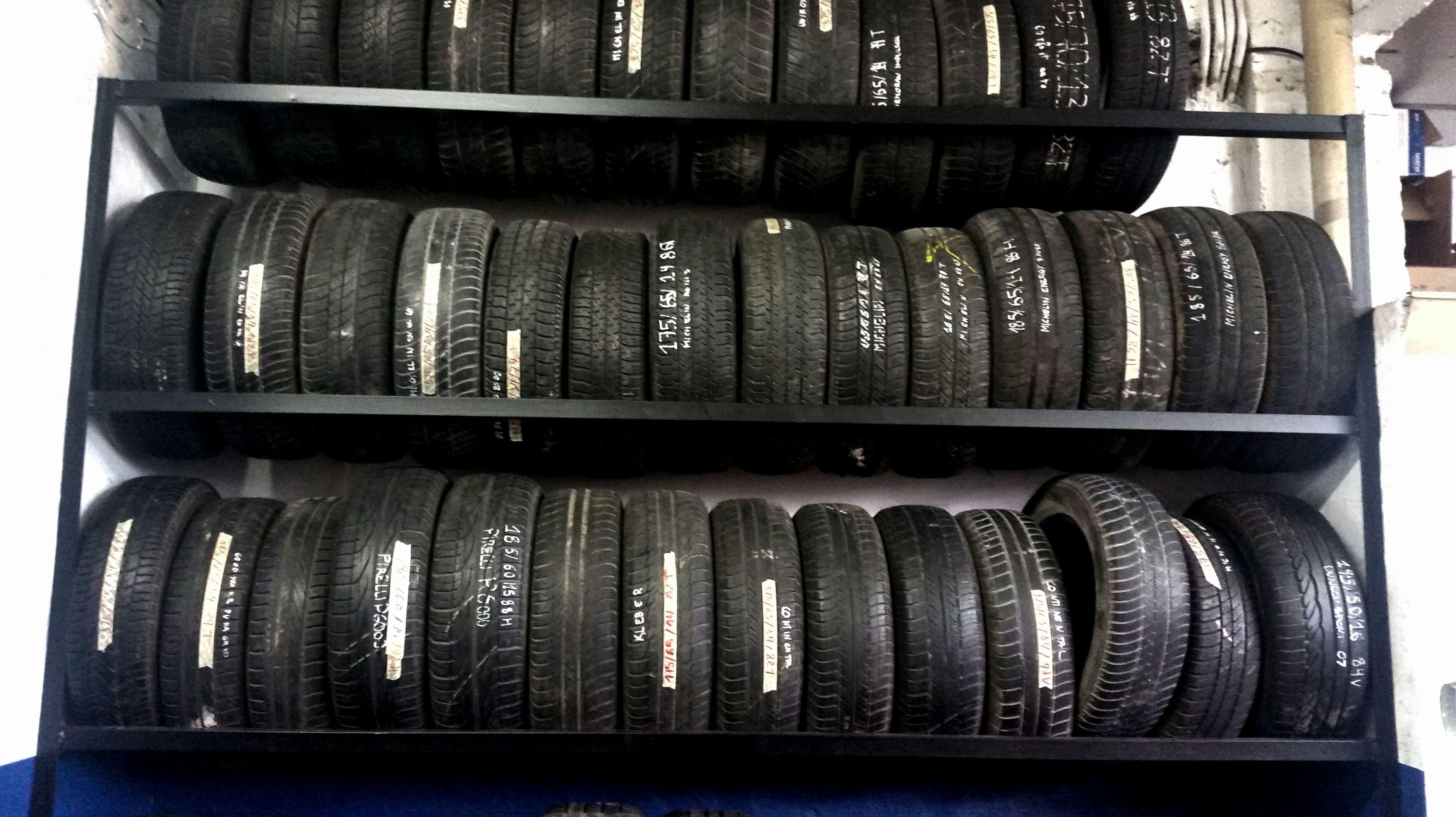 Foto 1 de Expertos en neumáticos en Aranguren   NEUMÁTICOS MIKEL