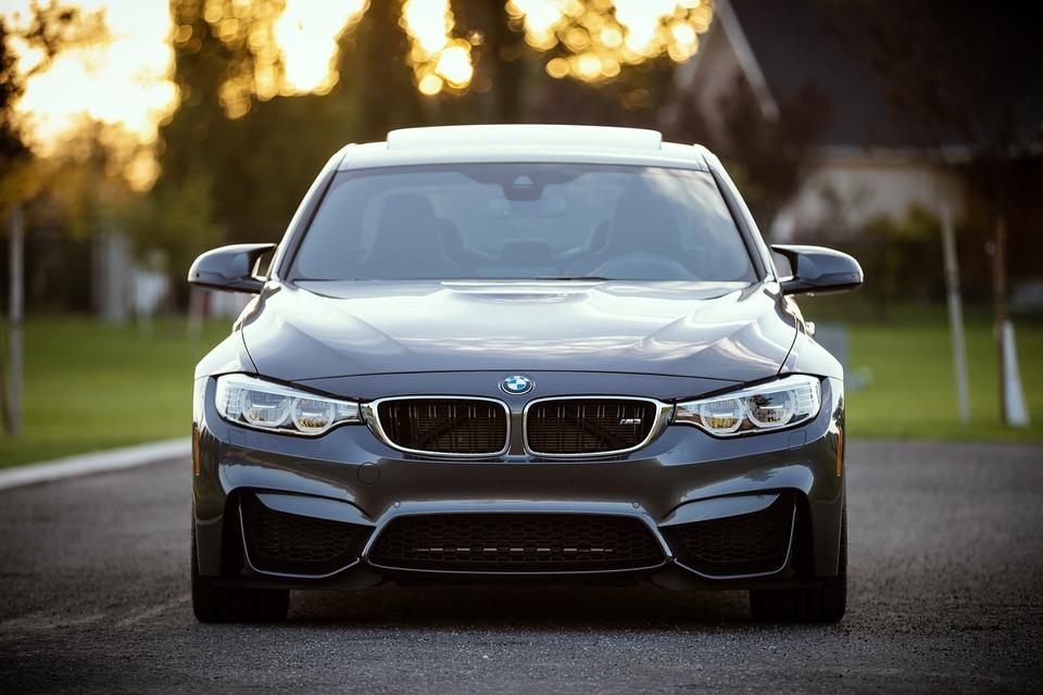 Chasis BMW: Servicios de NEUMÁTICOS MIKEL