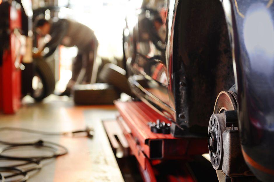 Cambio de ruedas en Riba-Roja