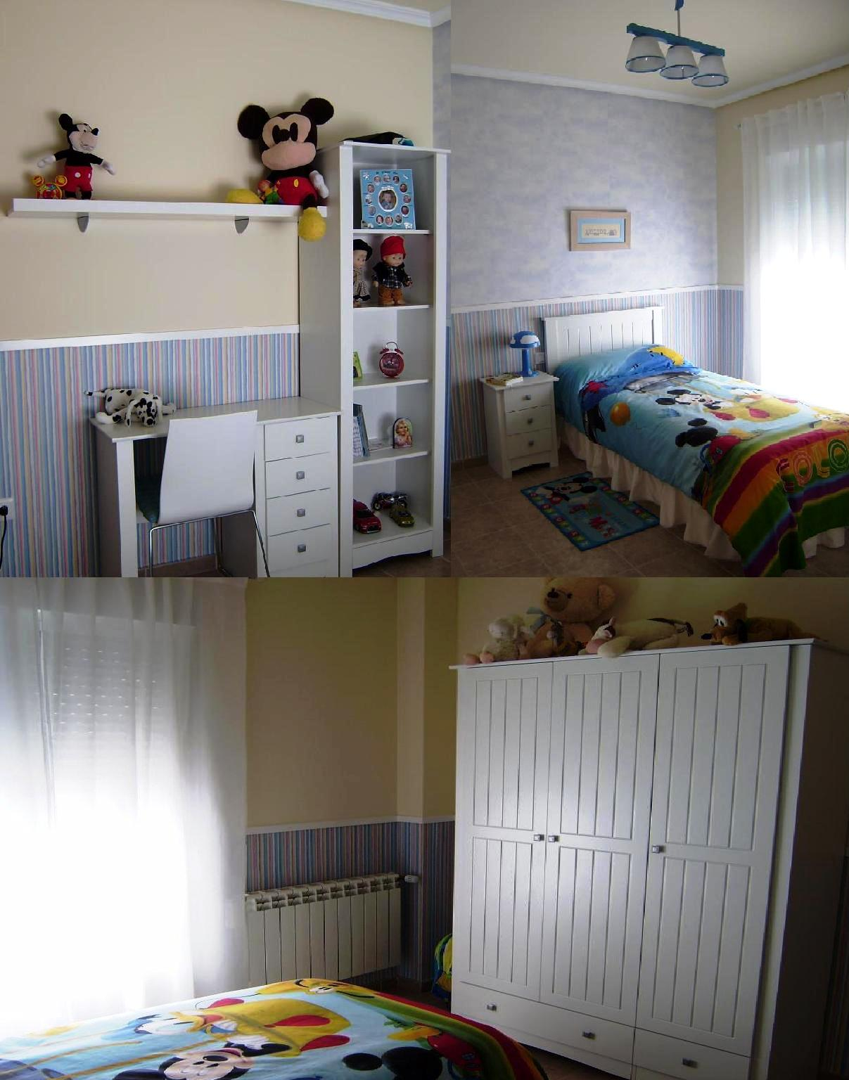 Habitación papel pintado y pintura plástica
