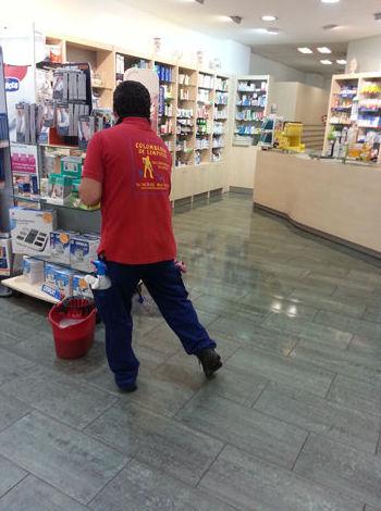 Desinfección de suelos en farmacias