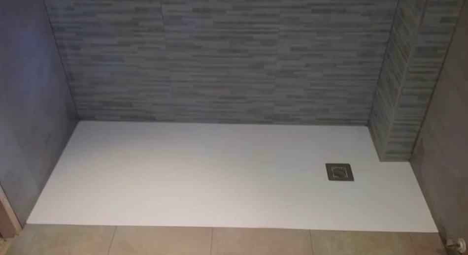 Cambio bañera por plato de ducha: Trabajos de Construcciones y Reformas Adrián