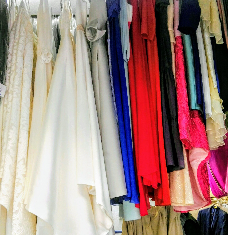 Nuestros trabajos;vestidos de novia,fiesta etc.