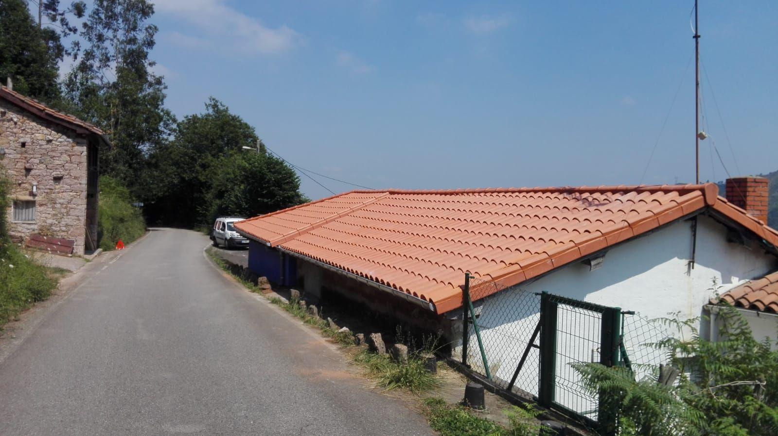 Foto 6 de Reparación de tejados en Oviedo | Tejamar