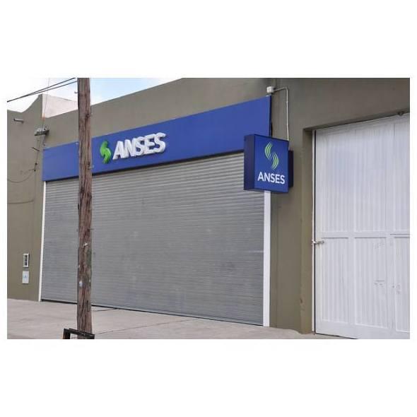 Puertas seccionales a empresas: Montajes e instalaciones de Mafrisur