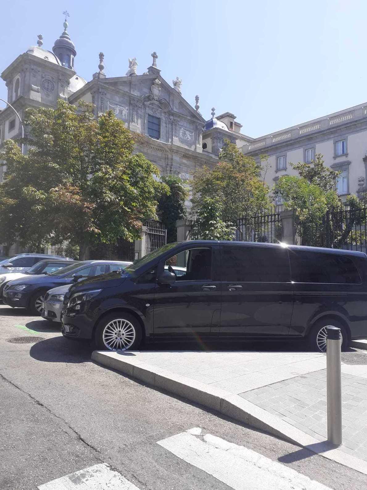 Foto 30 de Alquiler de vehículos con conductor en    Candecar