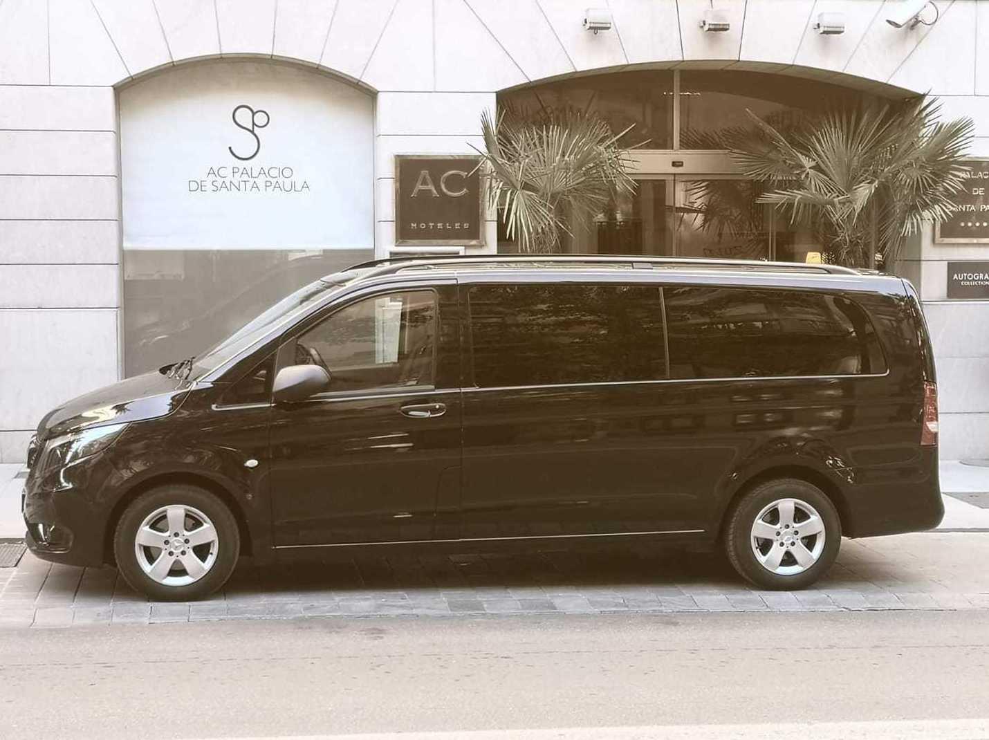 Foto 15 de Alquiler de vehículos con conductor en  | Candecar