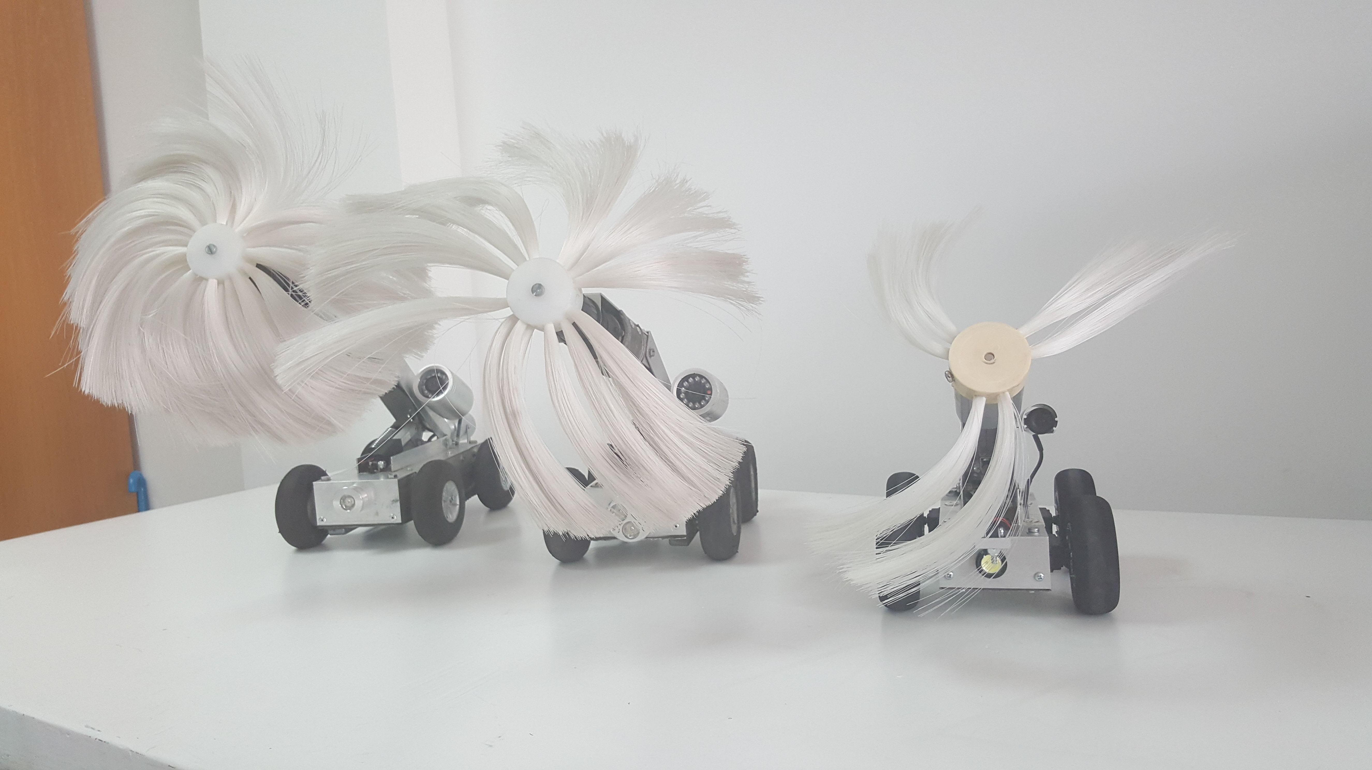 Robots con cepillos rotativos