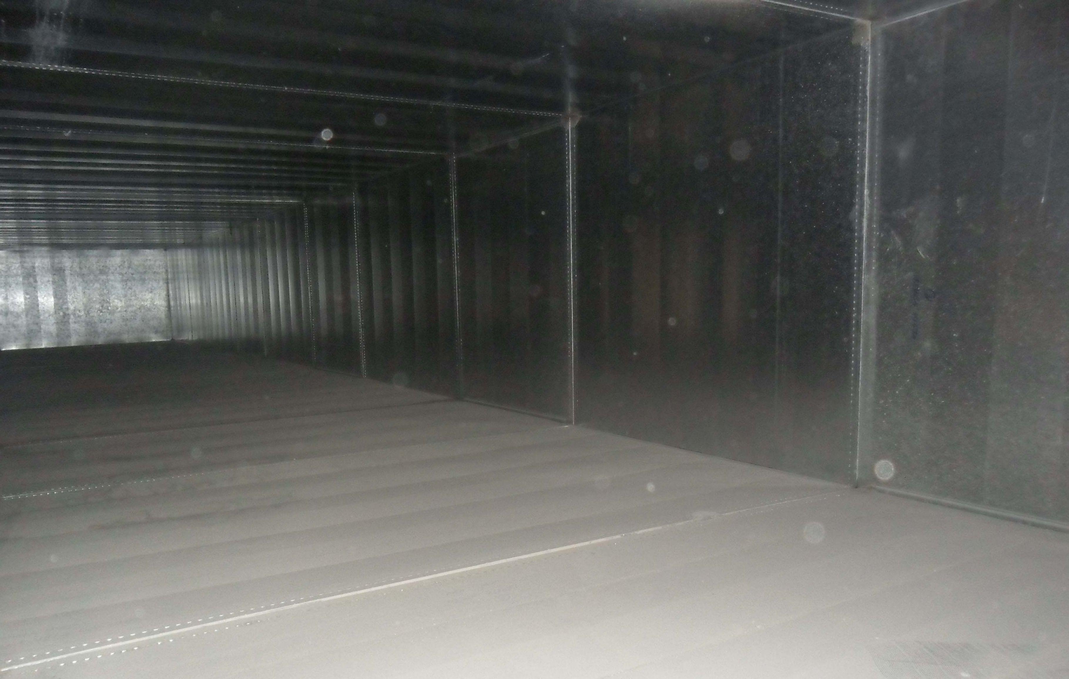 Interior de conductos de climatización