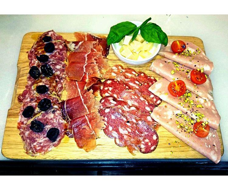 Embutidos típicos italianos