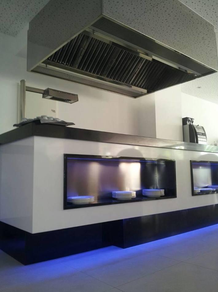 Campana buffet fabricada e instalada por J. A. Refrigeración