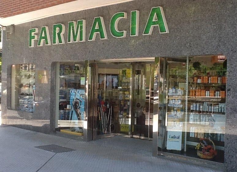 Foto 3 de Farmacias en León | Farmacia Castelo