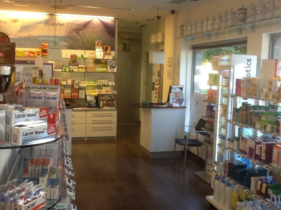 Foto 6 de Farmacias en León | Farmacia Castelo