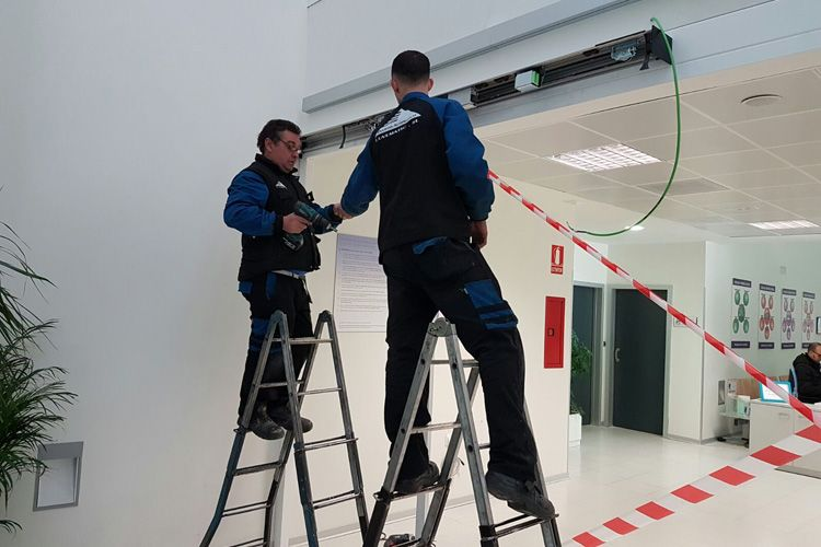 Trabajo de instalación de puertas en Madrid