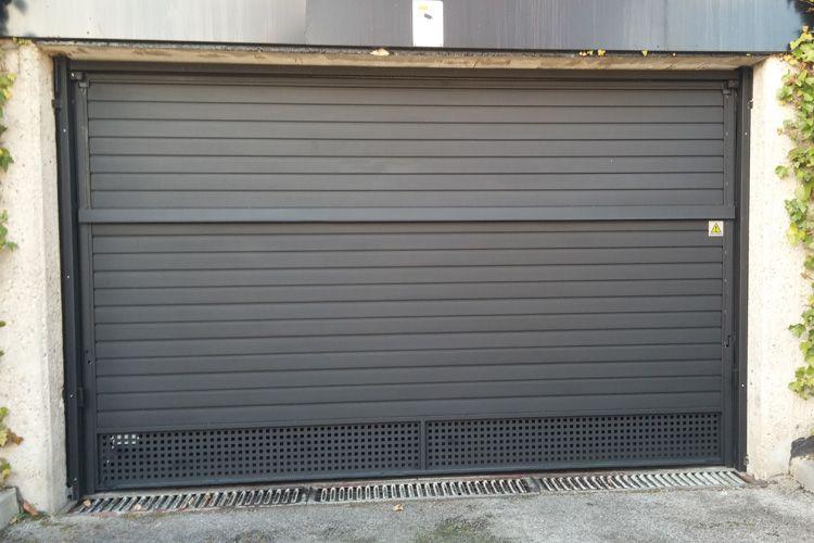Trabajos de instalación de puertas de garaje