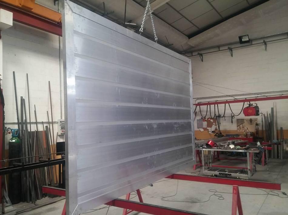 Realización de puertas metálicas
