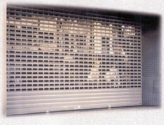 Foto 1 de Cerrajería en Zaragoza | Grupo del Águila