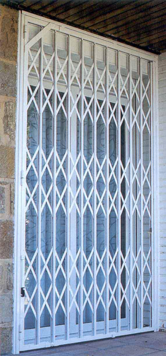 Foto 4 de Cerrajería en Zaragoza | Grupo del Águila