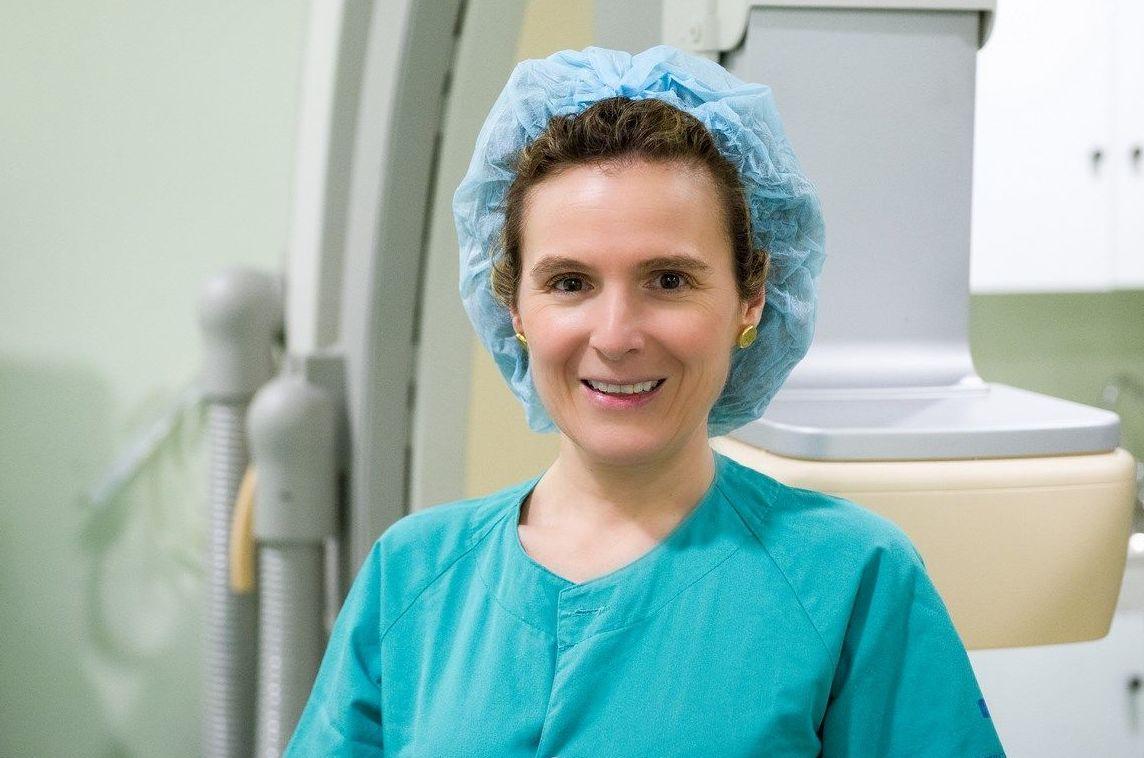 Profesionales - Dra. LOURDES CUEVA AZORIN