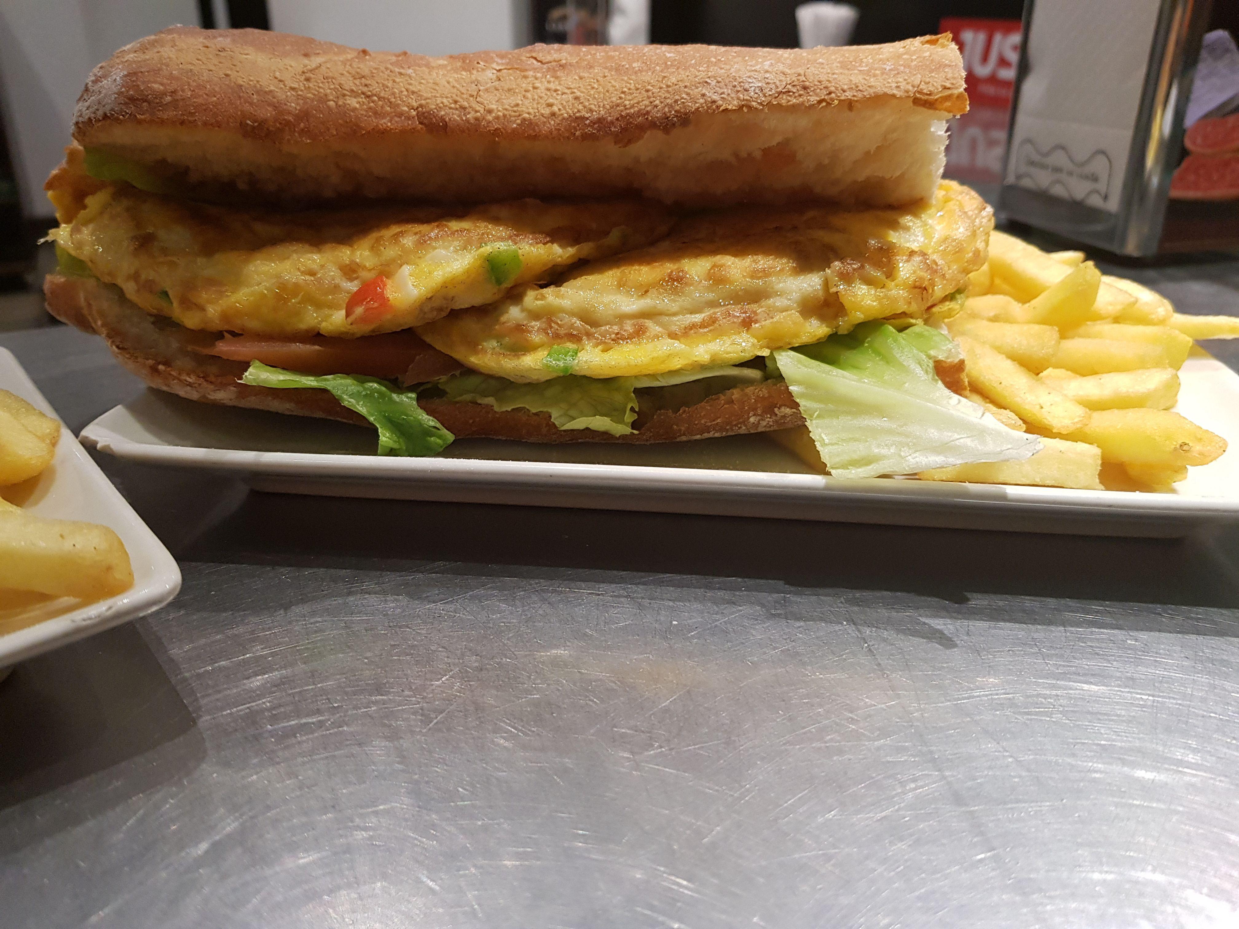 Bocadillos, sándwiches y raciones en Ávila