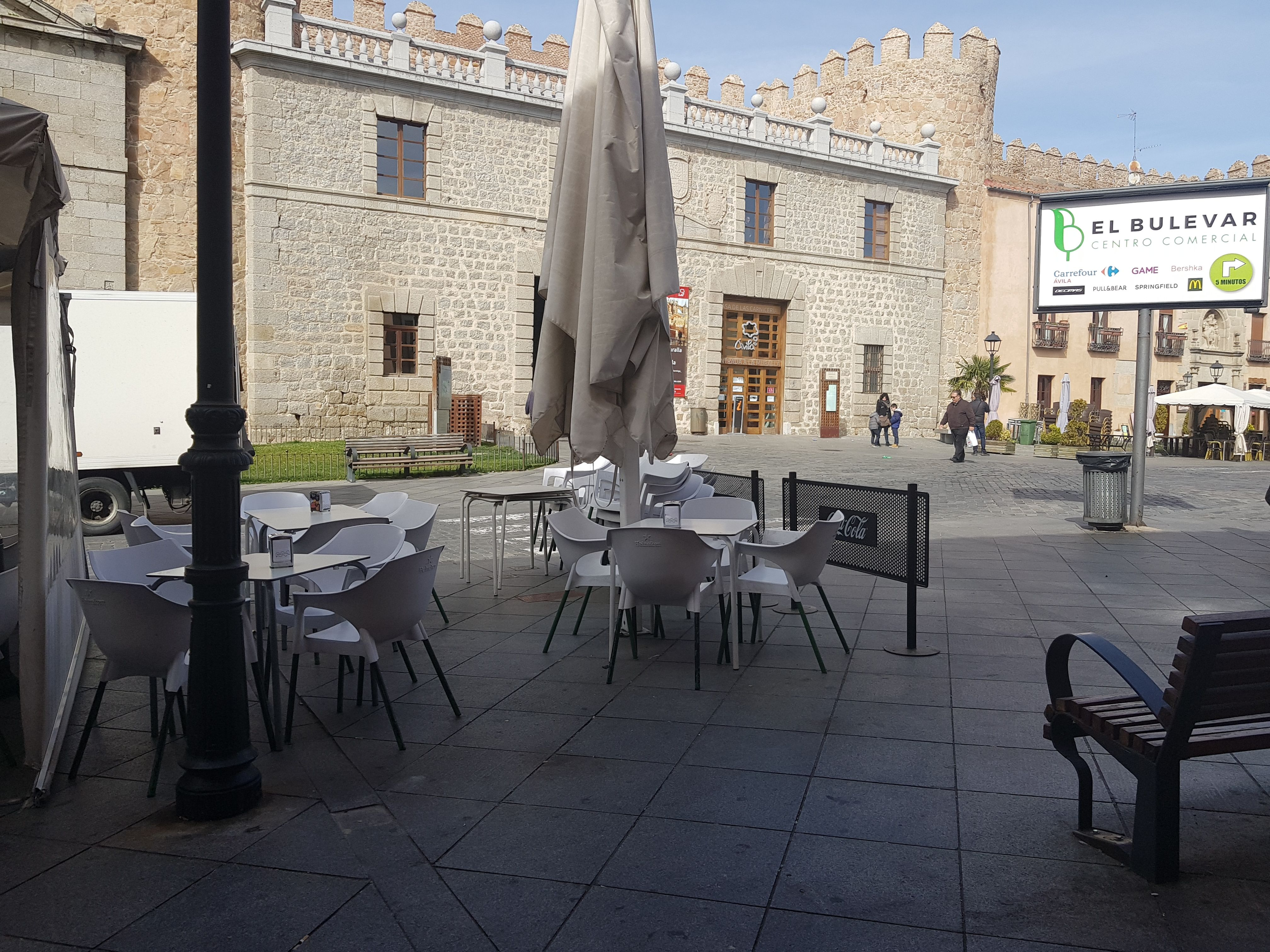 Restaurante con terraza y menú diario en Ávila