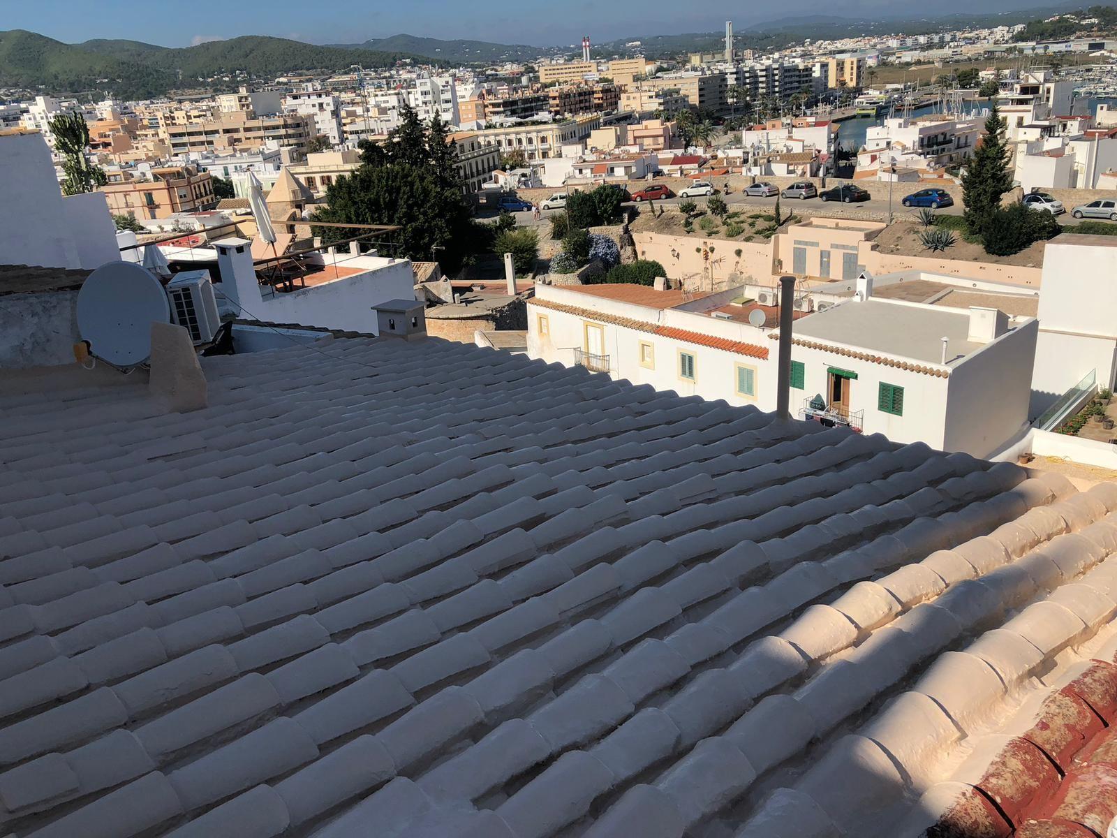 Foto 21 de Cubiertas y tejados en Sant Antoni de Portmany | Impermeabilizaciones Laachiri Bachir Ibiza