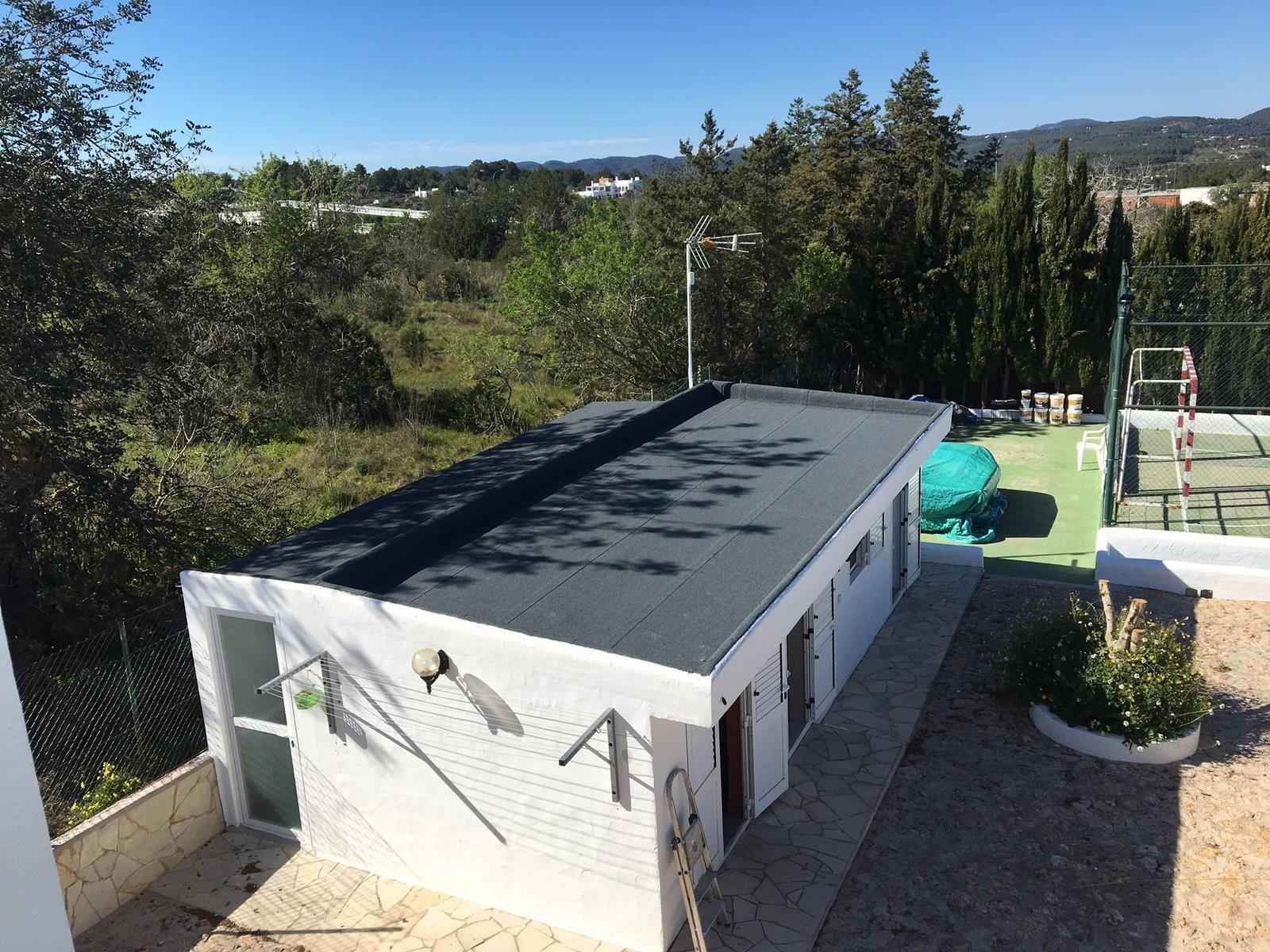 Foto 31 de Cubiertas y tejados en Sant Antoni de Portmany | Impermeabilizaciones Laachiri Bachir Ibiza