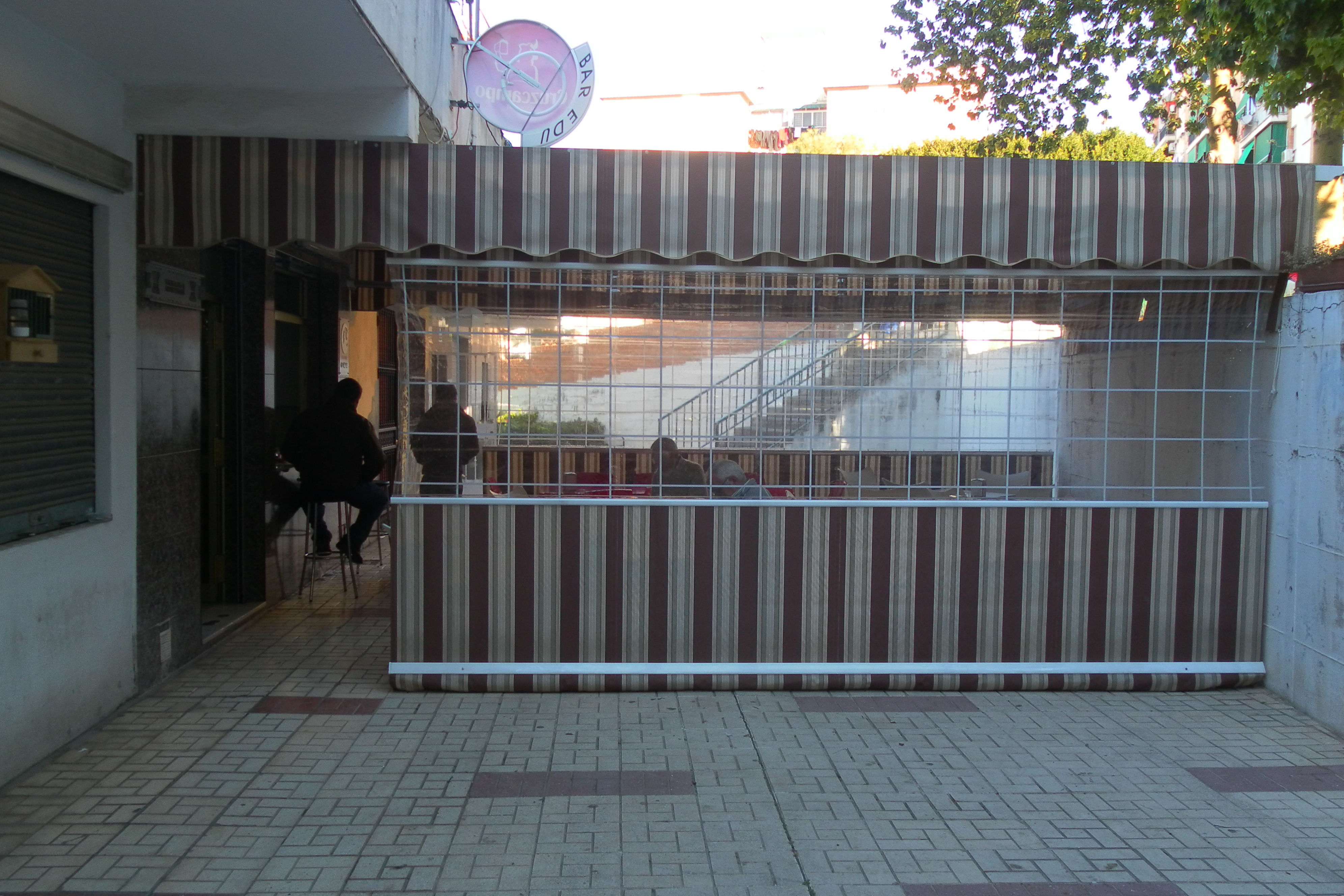 Foto 28 de Toldos y pérgolas en Málaga | Toldos Suárez