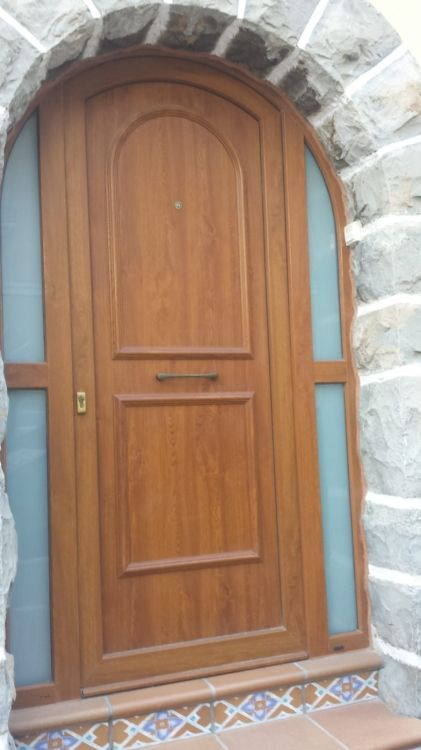 Fabricación e instalación de puertas en Pamplona