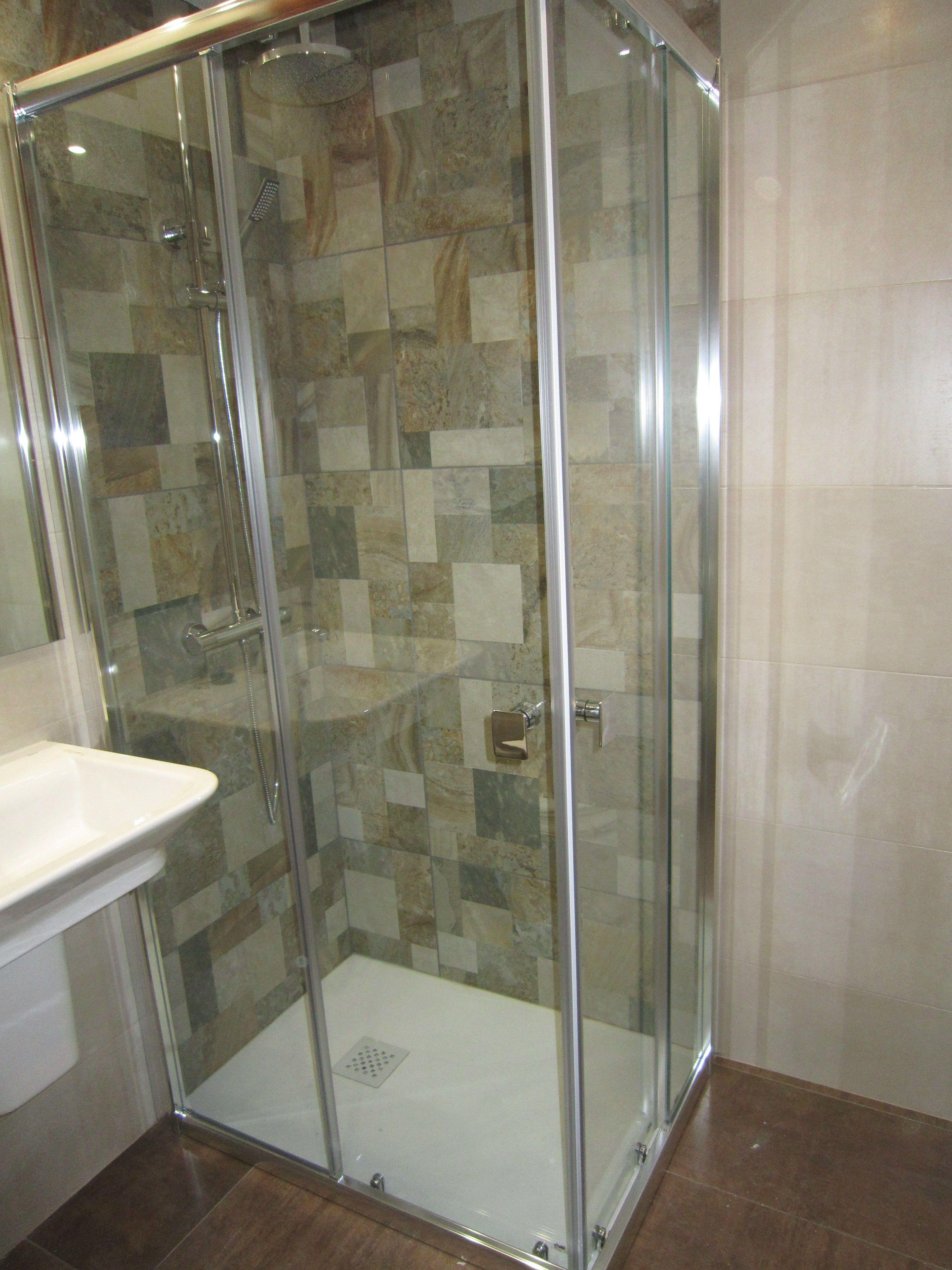 Instalación de platos de ducha