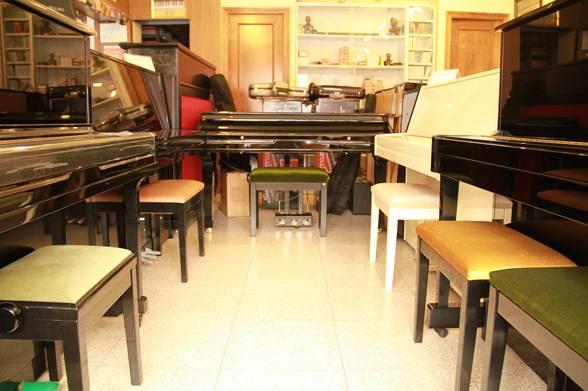 Foto 2 de Instrumentos de música en Almería | Casa de Música Ritmo