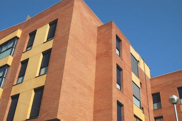 Construcción de tres edificios de viviendas en Esplugues de Llobregat