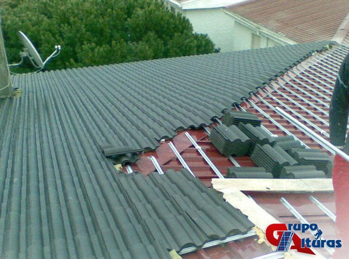 Renovación de tejado con tejas de hormigón