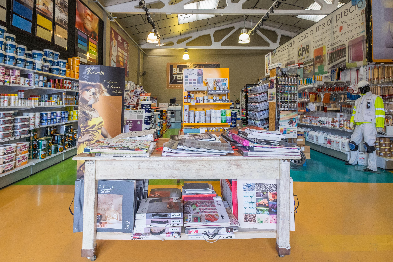 Tienda especializada en todo tipo de pinturas, profesional y decorativa