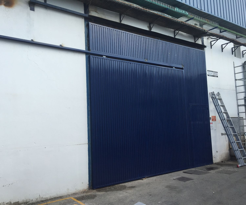 Puertas metálicas industriales