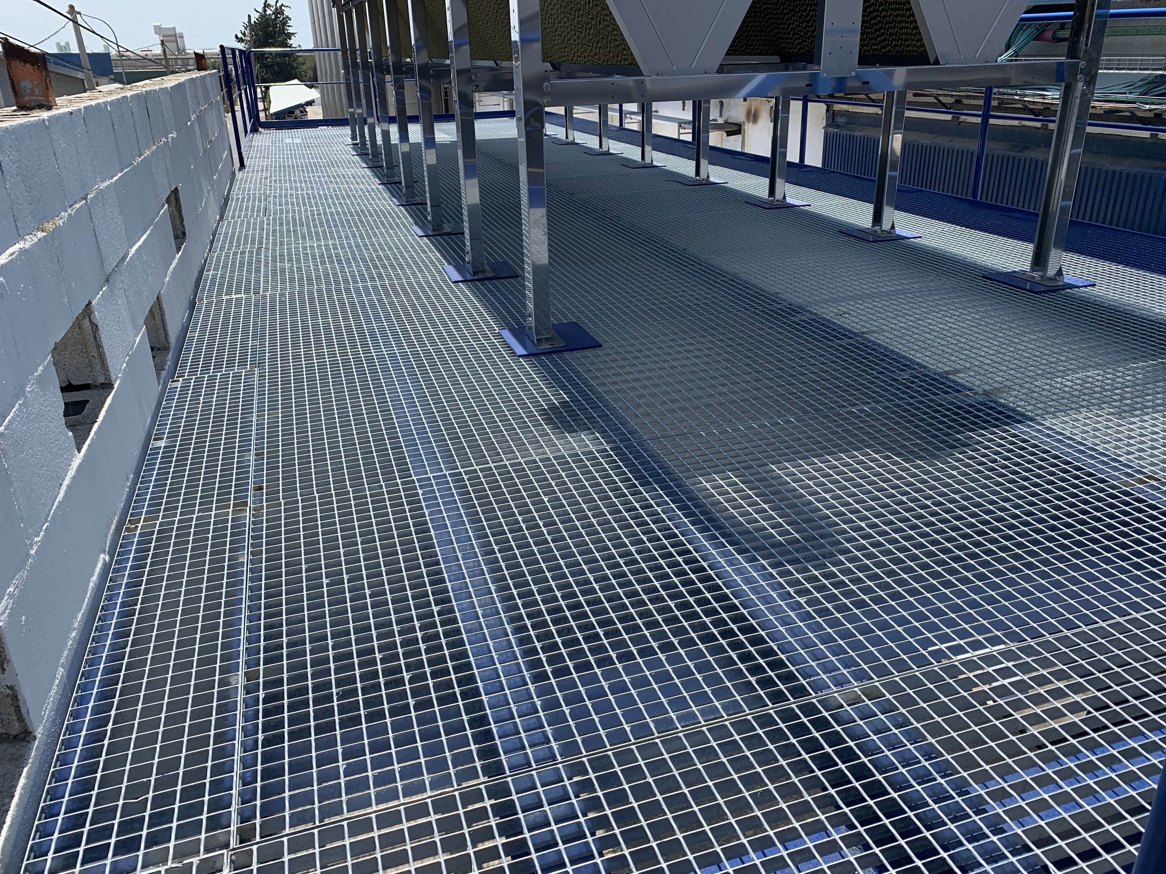 Foto 29 de Carpintería metálica y especialistas en acero inoxidable en  | Cerrajería Inox Las Salinas